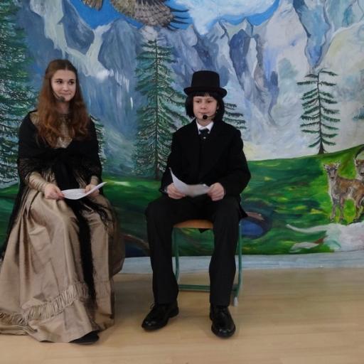 Kulturni praznik 2015. mentorica M. Hegediš naredila sceno in poskrbela za kostumografijo nastopajočih